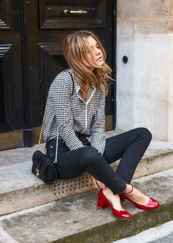 6 Parisian Styles French Women Always Follow 1