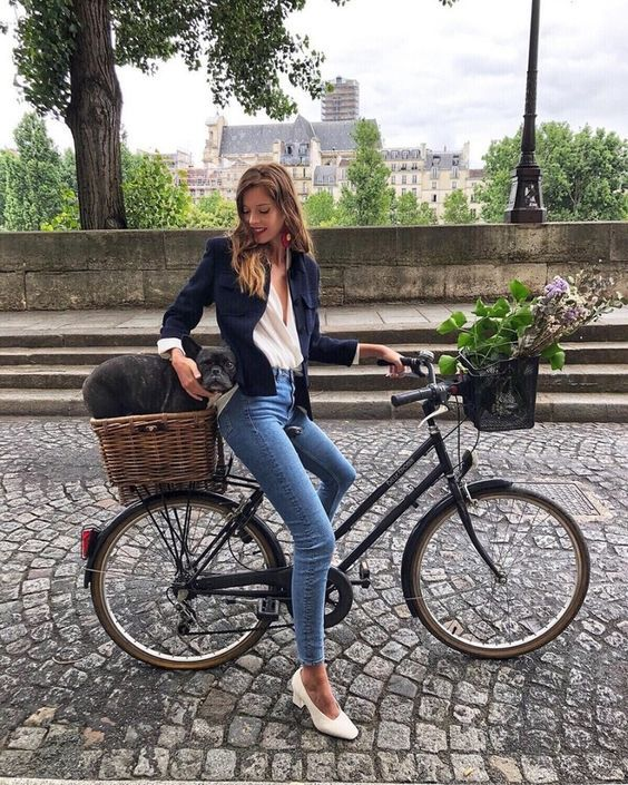 6 Parisian Styles French Women Always Follow 2
