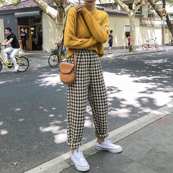 6 Parisian Styles French Women Always Follow 25