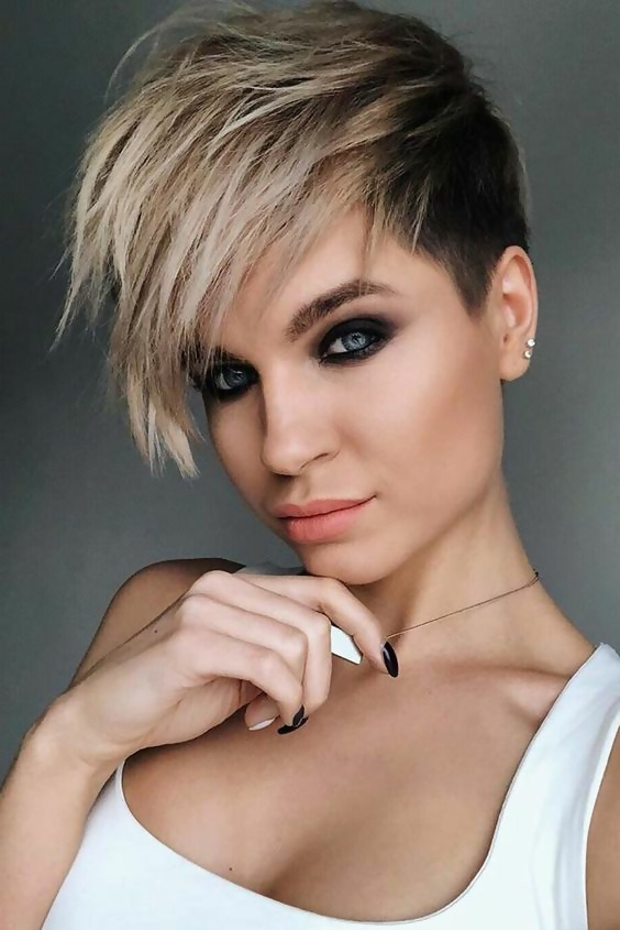 30 Amazing Looks For Short Hair With Bangs 6