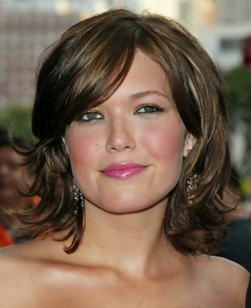 30 Amazing Looks For Short Hair With Bangs 12