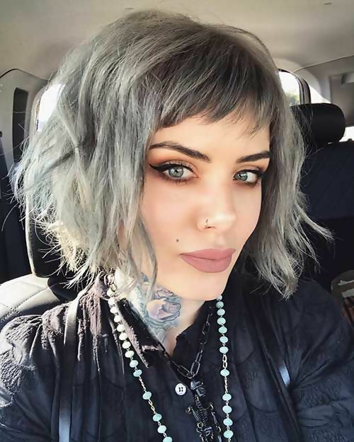 30 Amazing Looks For Short Hair With Bangs 23