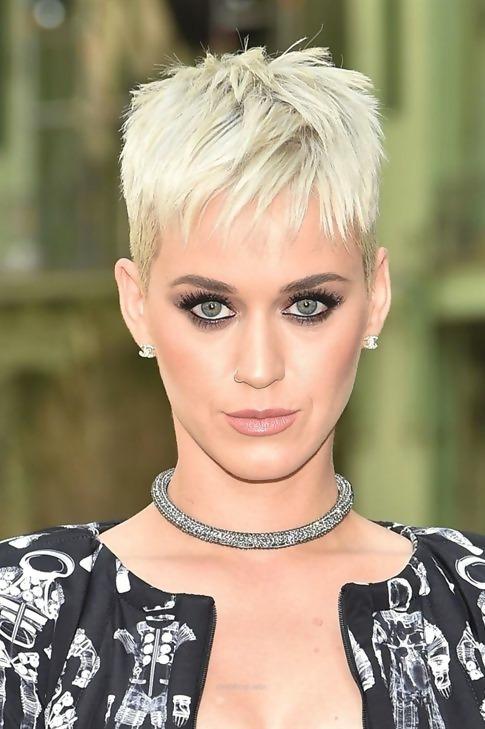 30 Adorable Short Haircuts For Fine Hair 11
