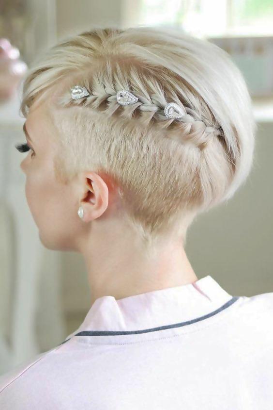30 Adorable Short Haircuts For Fine Hair 14