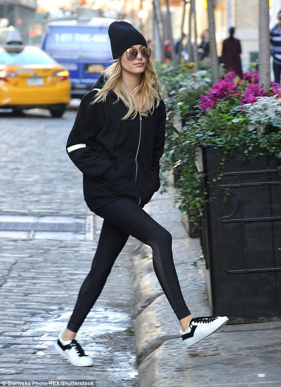 28 Hailey Baldwin's Tomboy Style Outfit Ideas to Copy 23