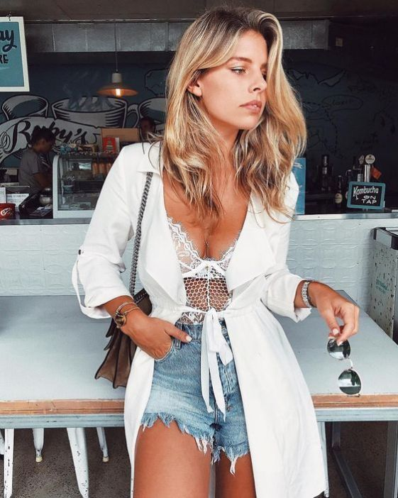 Top 7 Beach Fashion Essentials for Stylish Summer Outfits 17