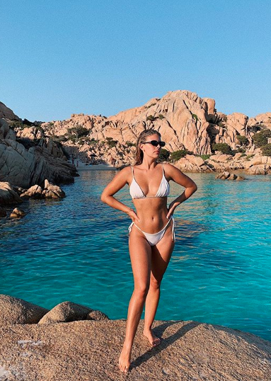 15 Best Bikini Models That Will Give You Instant Body Goal Vibes 11