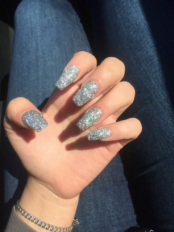 50 Different Ways To Style Glitter Nails 2