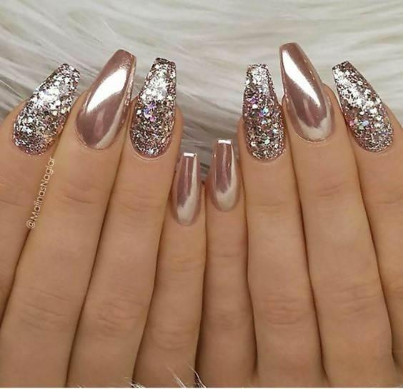 50 Different Ways To Style Glitter Nails 3