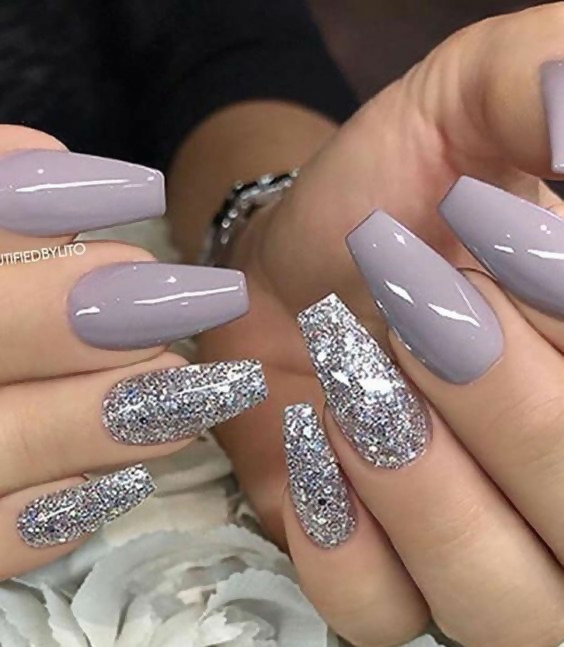 50 Different Ways To Style Glitter Nails 4