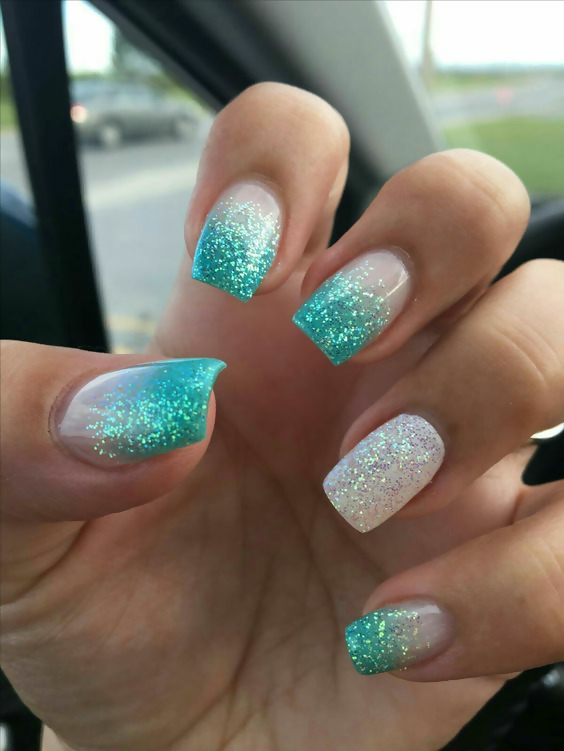 50 Different Ways To Style Glitter Nails 14