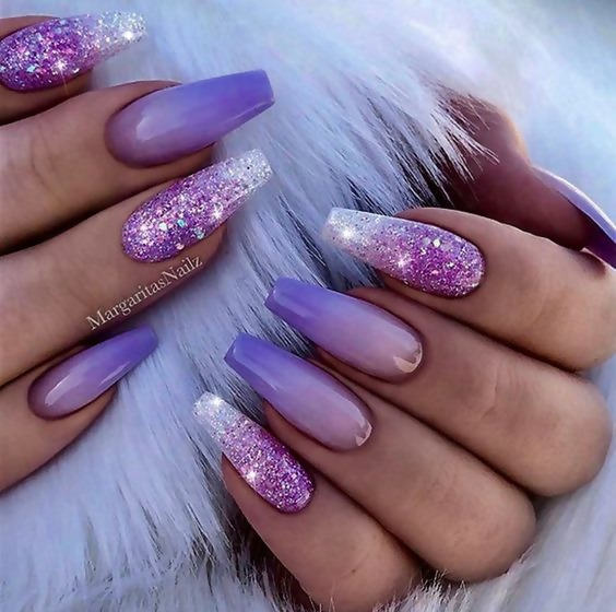 50 Different Ways To Style Glitter Nails 15