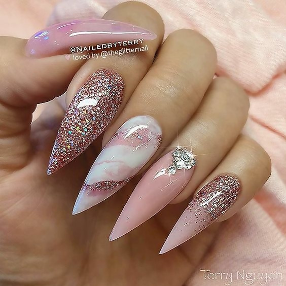 50 Different Ways To Style Glitter Nails 18