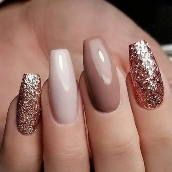 50 Different Ways To Style Glitter Nails 19