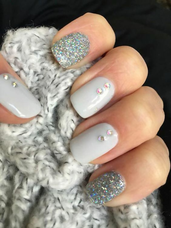 50 Different Ways To Style Glitter Nails 20
