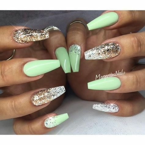 50 Different Ways To Style Glitter Nails 34
