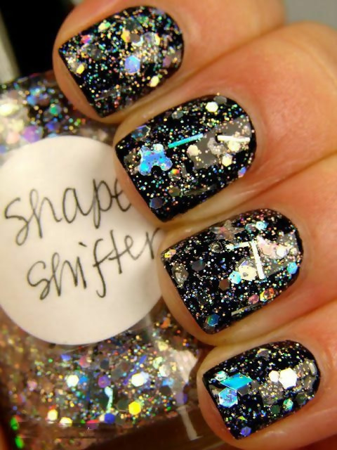 50 Different Ways To Style Glitter Nails 41