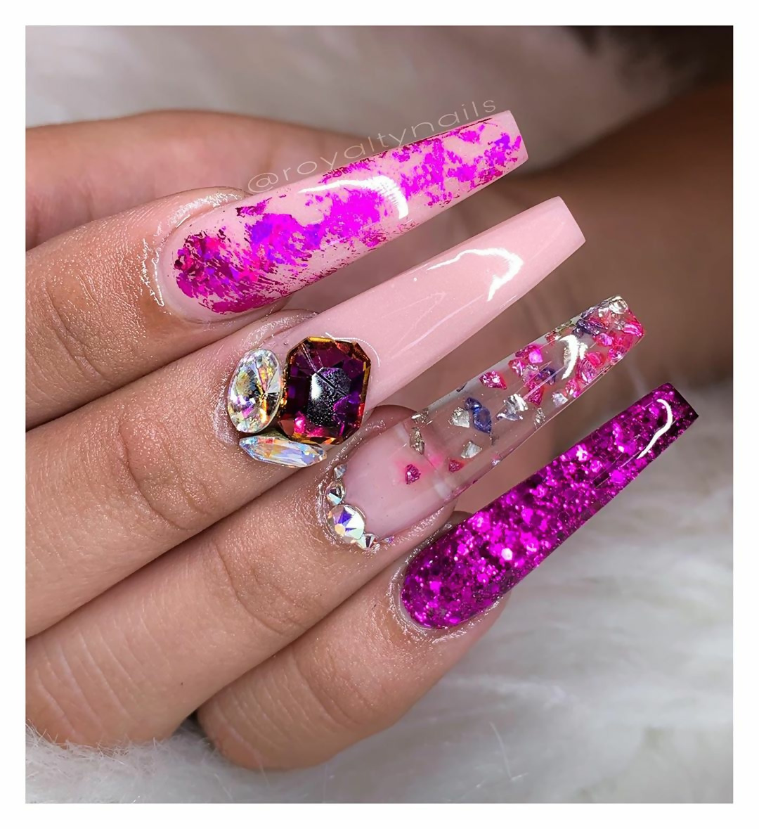 50 Different Ways To Style Glitter Nails 44