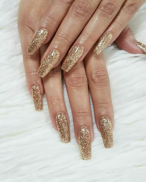 50 Different Ways To Style Glitter Nails 49