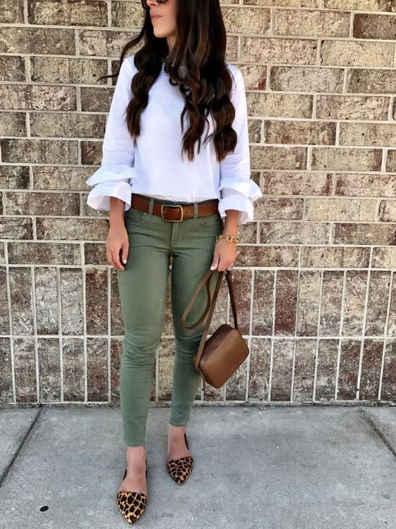 What to Wear With Green Pants: 32 Modern Outfit Ideas 2