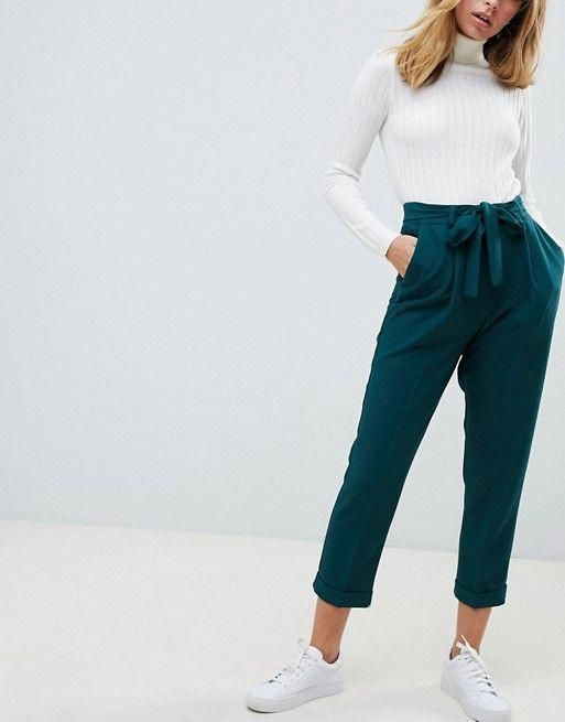What to Wear With Green Pants: 32 Modern Outfit Ideas 15