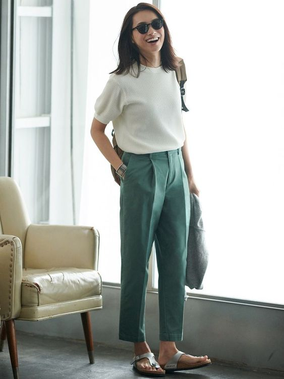 What to Wear With Green Pants: 32 Modern Outfit Ideas 20