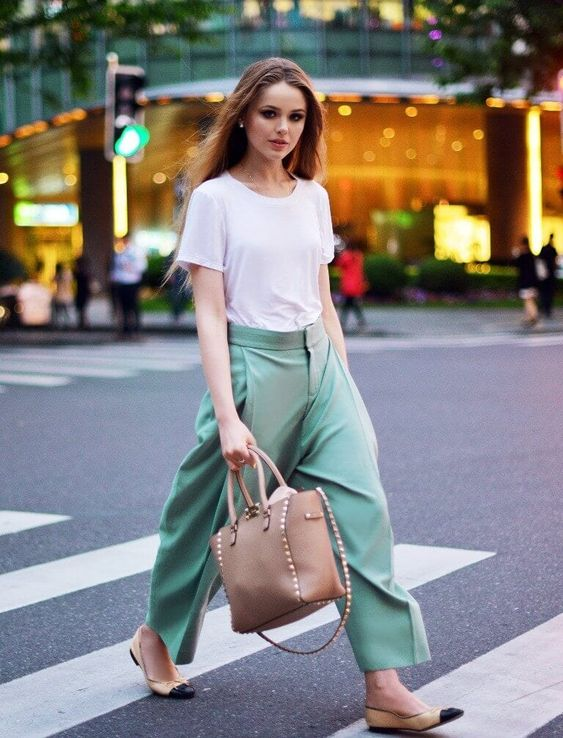 What to Wear With Green Pants: 32 Modern Outfit Ideas 24
