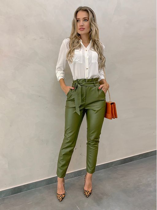 What to Wear With Green Pants: 32 Modern Outfit Ideas 32