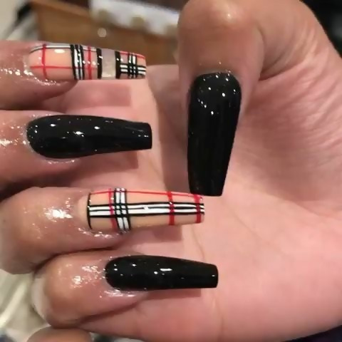 30 Creative Black Acrylic Nails Design Ideas to Try 4