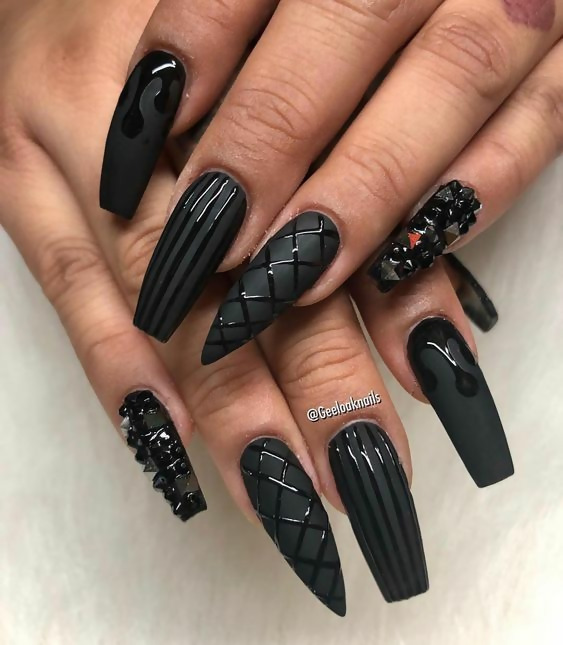 30 Creative Black Acrylic Nails Design Ideas to Try 9