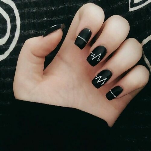 30 Creative Black Acrylic Nails Design Ideas to Try 16