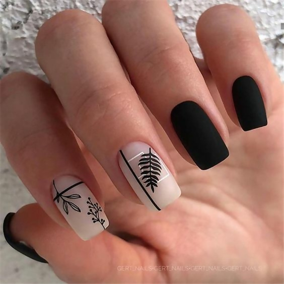 30 Creative Black Acrylic Nails Design Ideas to Try 27