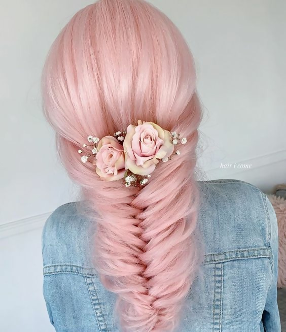 30 Picture-Perfect Styles For Pastel Pink Hair 13