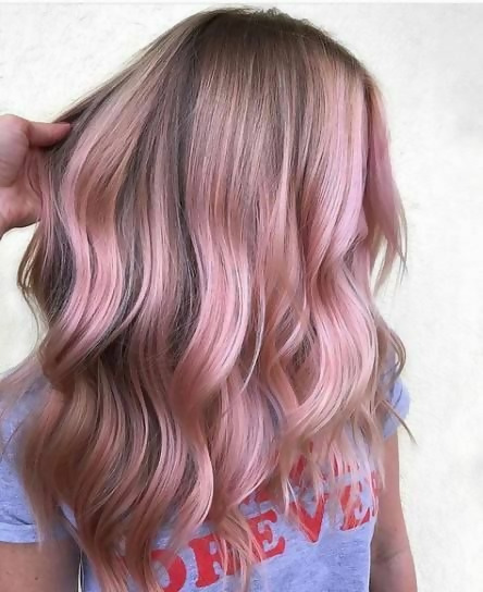 30 Picture-Perfect Styles For Pastel Pink Hair 28