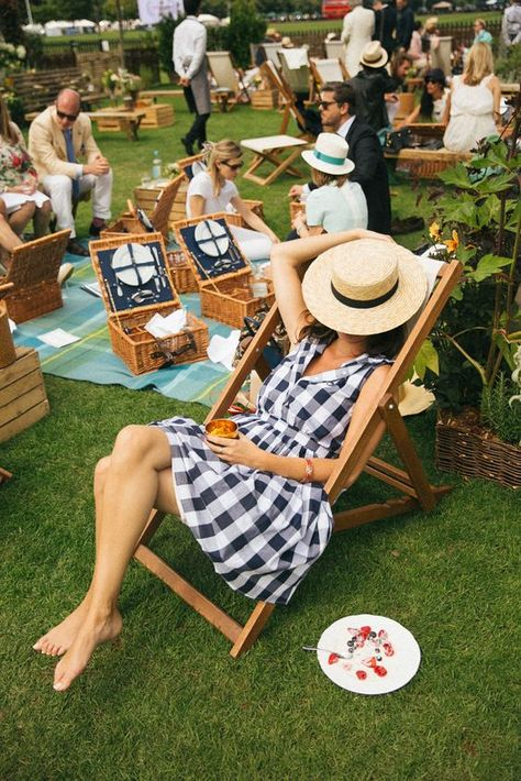 6 Cute Picnic Outfit Ideas You Can Easily Recreate 21