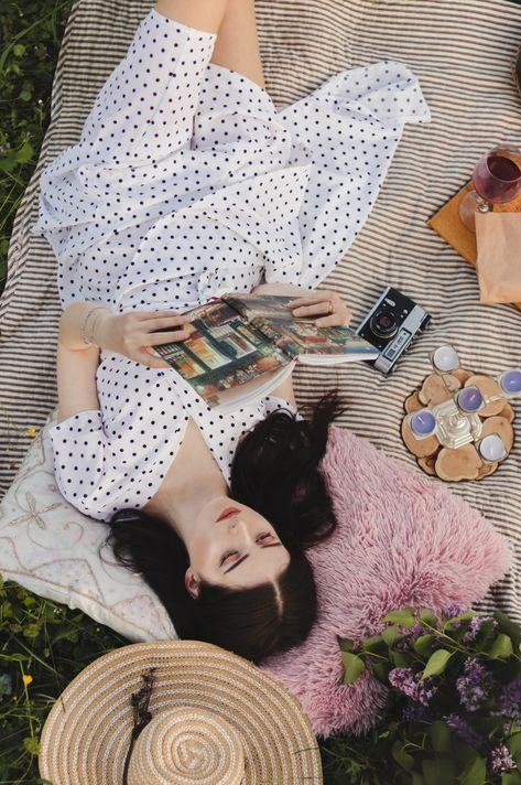 6 Cute Picnic Outfit Ideas You Can Easily Recreate 22