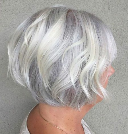 30 Stylish Short Haircuts for Women Over 50 7