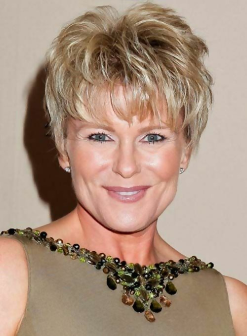 30 Stylish Short Haircuts for Women Over 50 9