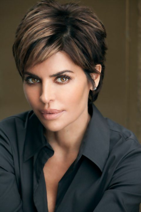 30 Stylish Short Haircuts for Women Over 50 13