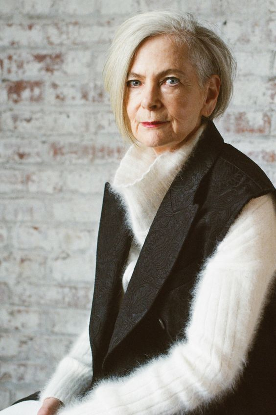 9 Best Fashion Inspiration for Women Over 60 Taught by Style Icons 3