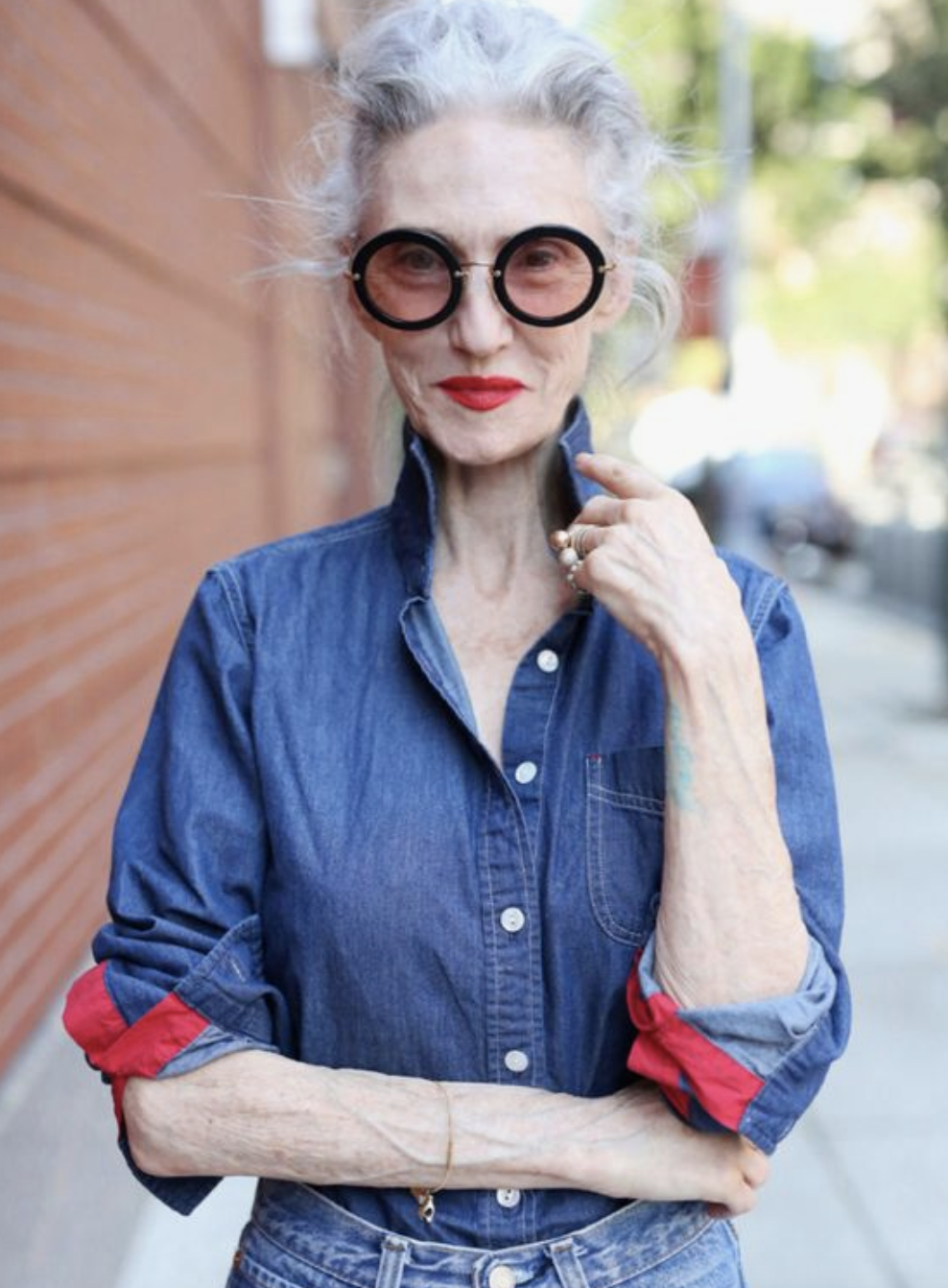 9 Best Fashion Inspiration for Women Over 60 Taught by Style Icons 25