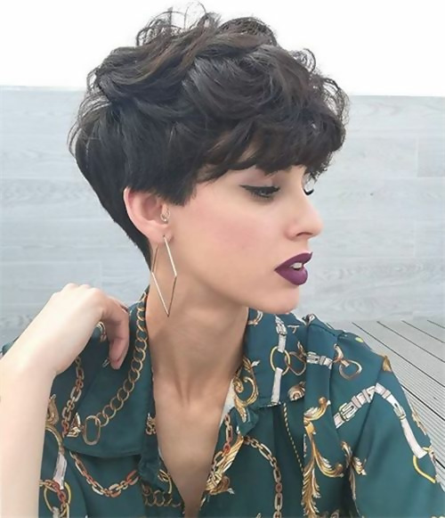 30 Best Short Layered Haircuts Ideas Trending in 2020 13