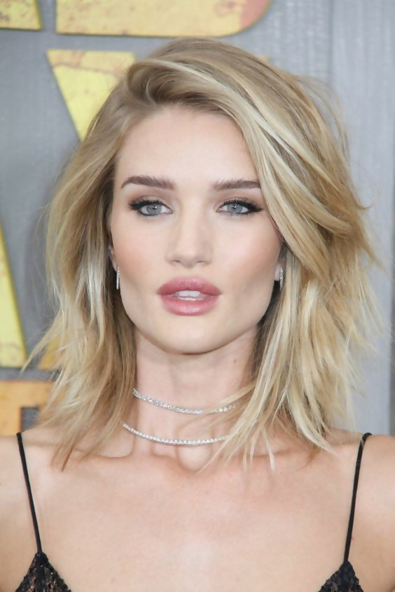 30 Best Short Layered Haircuts Ideas Trending in 2020 16