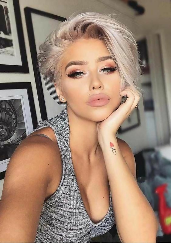 30 Best Short Layered Haircuts Ideas Trending in 2020 22