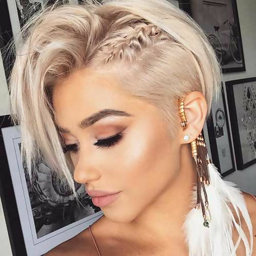 30 Best Short Layered Haircuts Ideas Trending in 2020 23