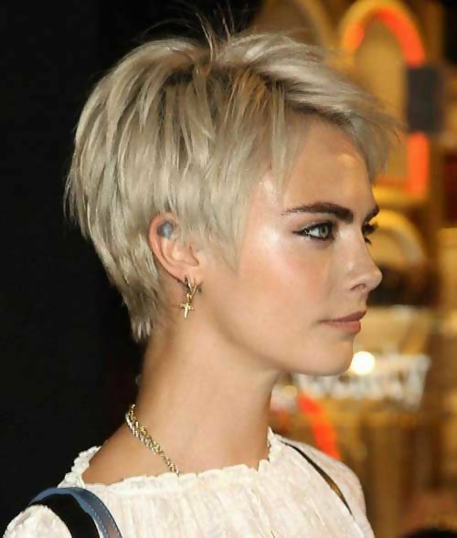 30 Best Short Layered Haircuts Ideas Trending in 2020 25