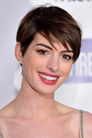 30 Best Short Layered Haircuts Ideas Trending in 2020 27