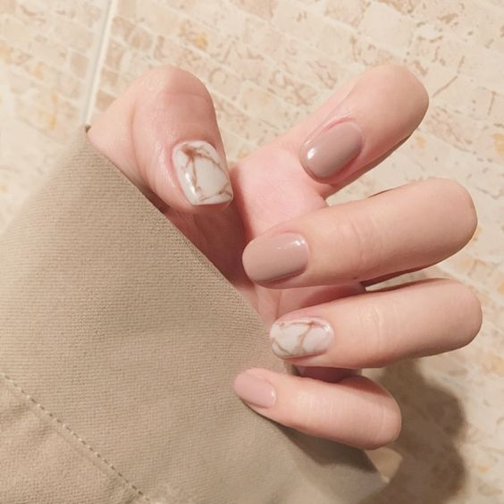30 Breathtaking Gel Nail Designs to Elevate your Style 15