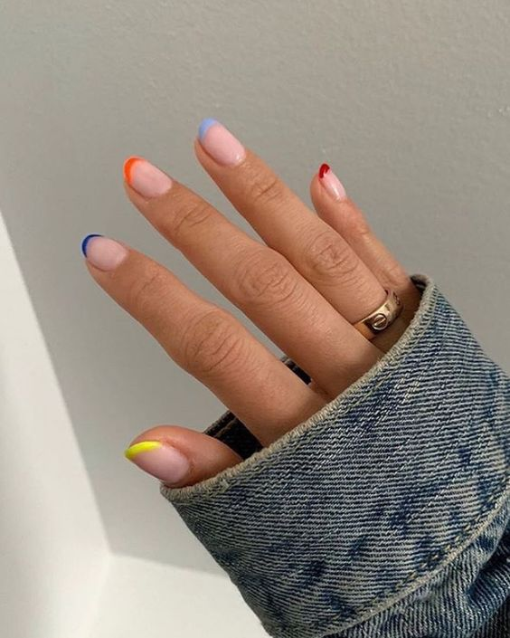30 Unique Ideas on How to Bump Up French Tip Nails 11