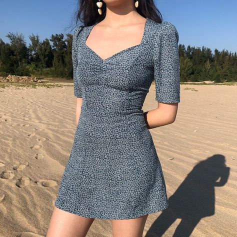 How to Look Taller with a Petite Figure 4